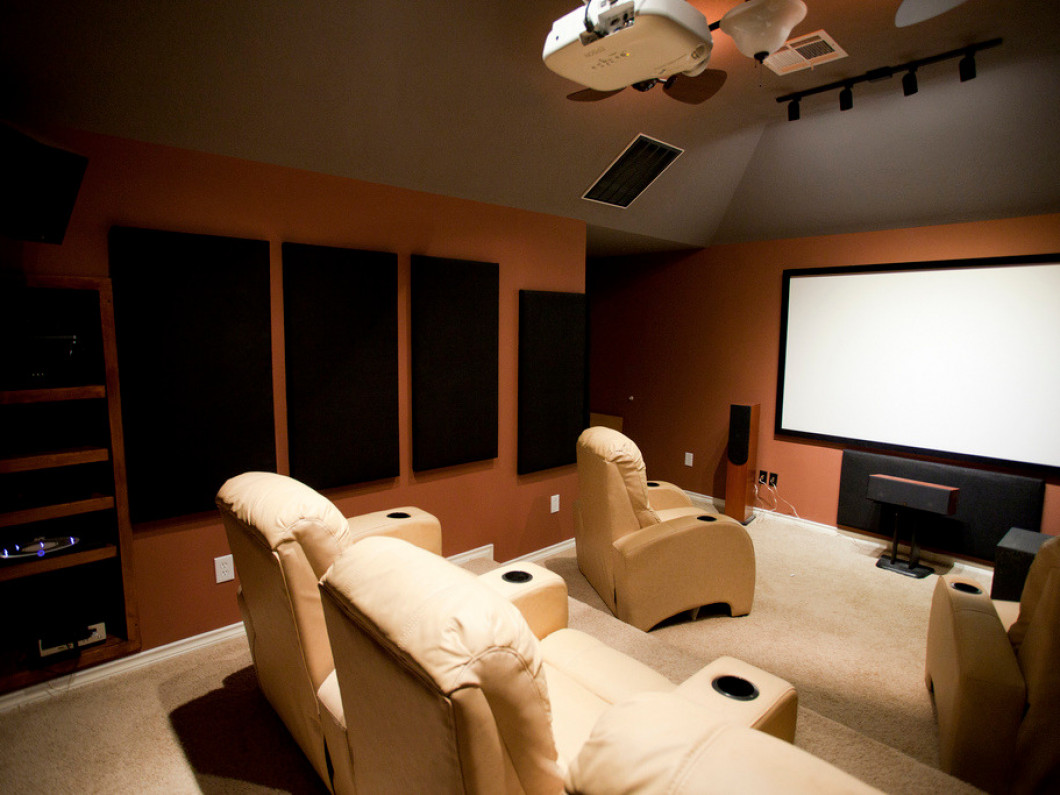 Enjoy the Latest Blockbusters With a Beautiful Home Theater Setup